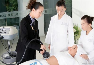 美容师怎么快速适应新的工作环境?